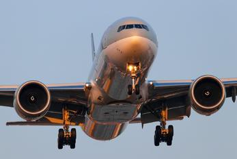 A7-BEL - Qatar Airways Boeing 777-300ER