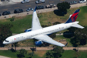 N6704Z - Delta Air Lines Boeing 757-200 aircraft