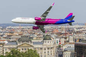 HA-LTA - Wizz Air Airbus A321