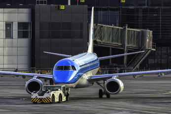 - - KLM Cityhopper Embraer ERJ-175 (170-200)