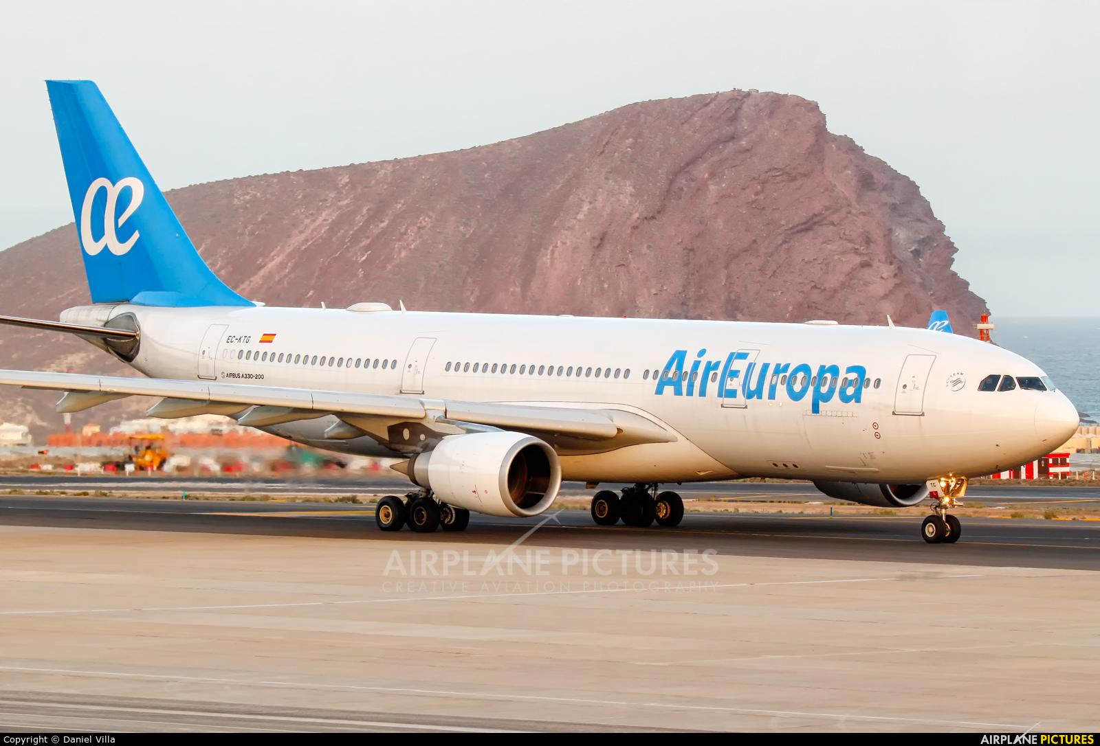 Air Europa EC-KTG aircraft at Tenerife Sur - Reina Sofia