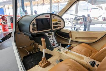 - - Private Flight Design CTLS