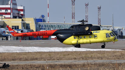 RA-27024 - UTair Mil Mi-8MT