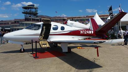 N124MW - Private Cirrus Vision SF50
