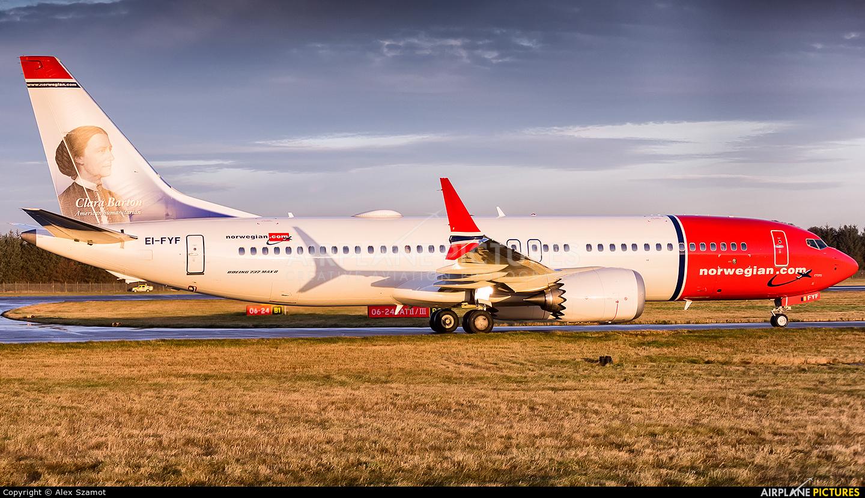 Norwegian Air International EI-FYF aircraft at Edinburgh