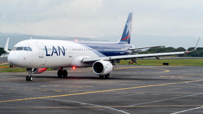 CC-BEI - LAN Airlines Airbus A321