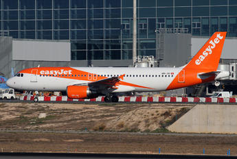 HB-JXI - easyJet Switzerland Airbus A320