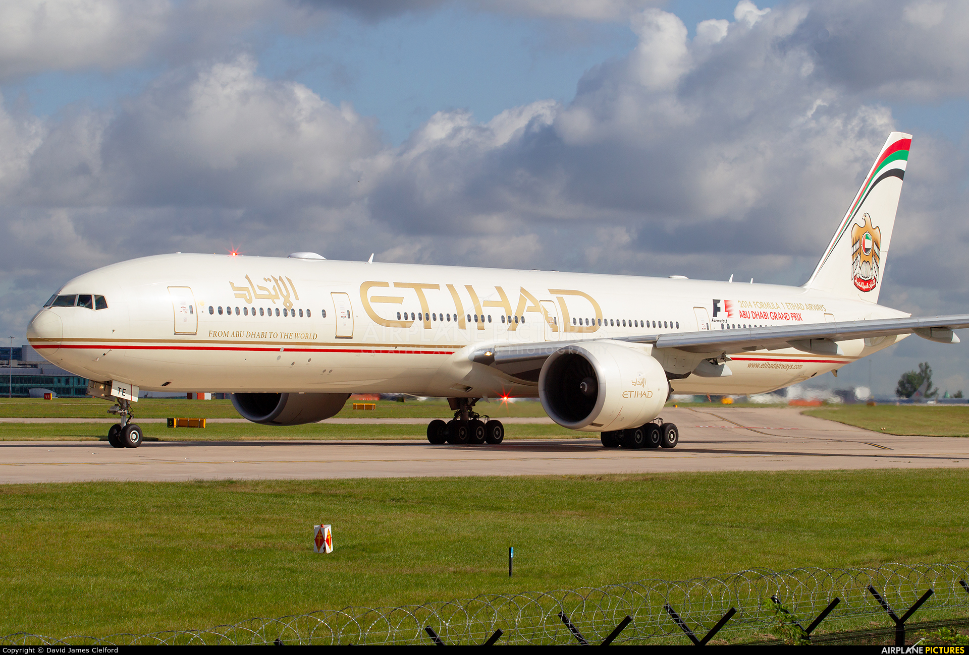 Etihad Airways A6-ETE aircraft at Manchester