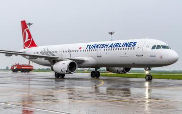 TC-JTG - Turkish Airlines Airbus A321