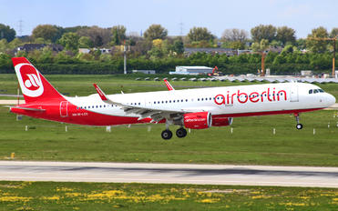 OE-LCO - Air Berlin Airbus A321