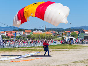 - - Spain - Air Force Parachute Military