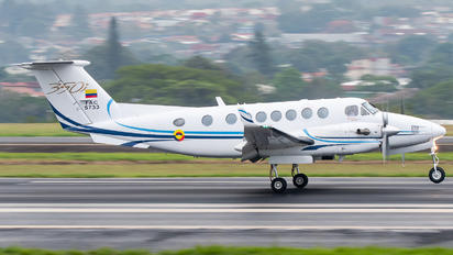 FAC5733 - Colombia - Air Force Beechcraft 300 King Air 350