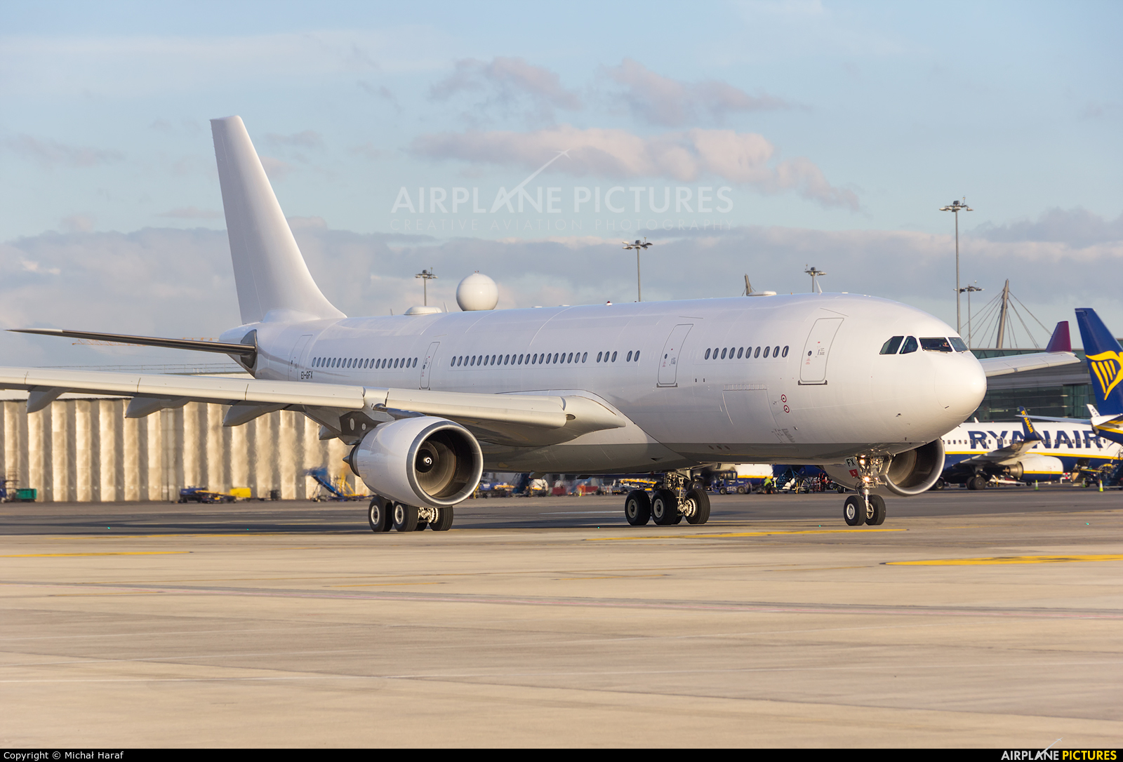Air Italy EI-GFX aircraft at Dublin