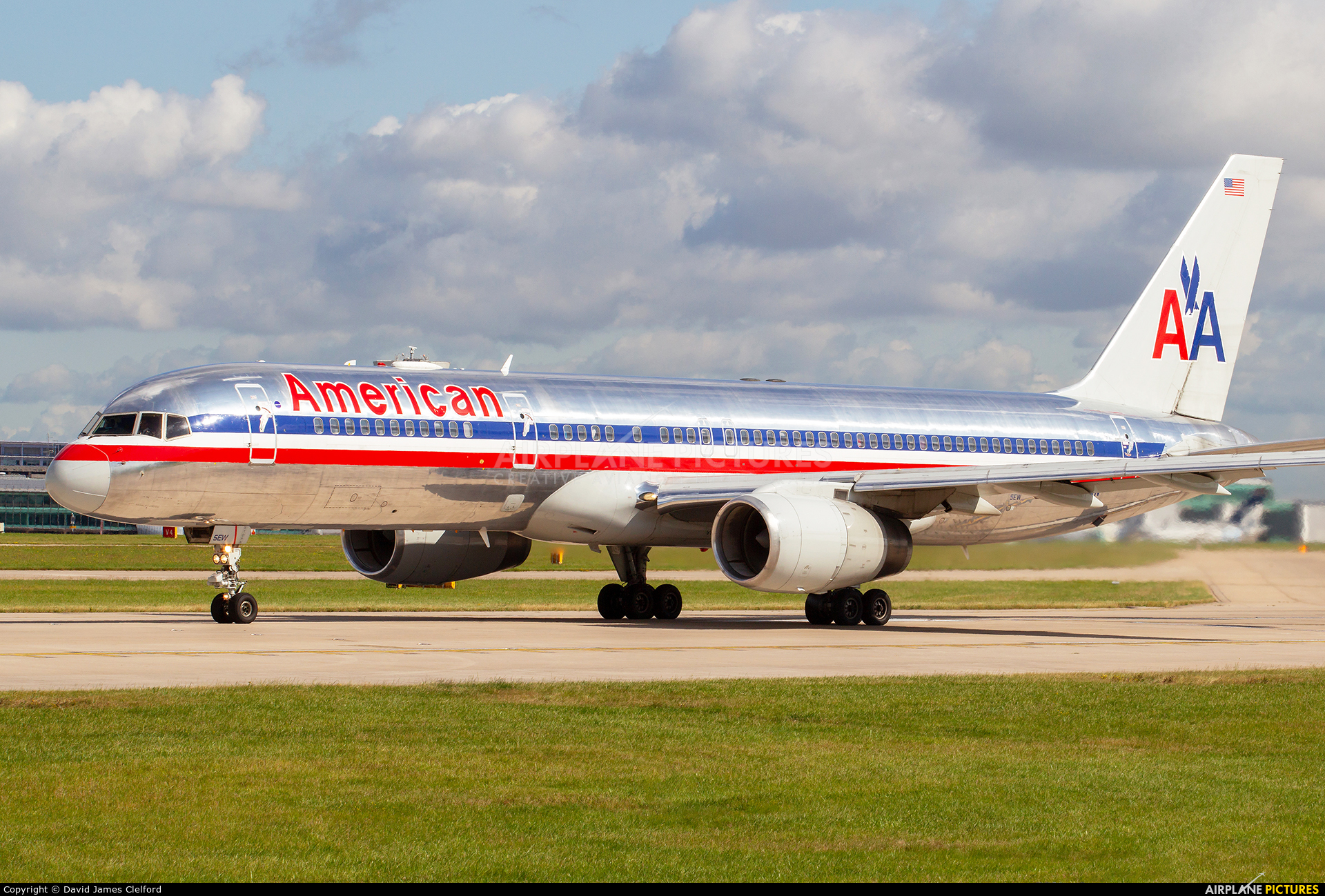 American Airlines N188AN aircraft at Manchester