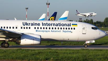 UR-PST - Ukraine International Airlines Boeing 737-800
