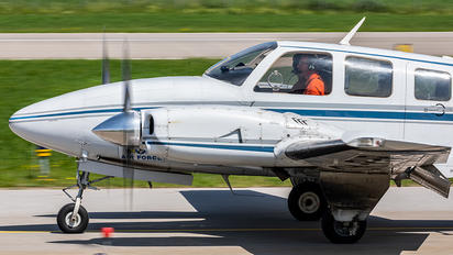 OK-PHR - Private Beechcraft 58 Baron