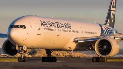 ZK-OKR - Air New Zealand Boeing 777-300ER