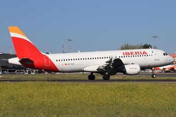 EC-ILS - Iberia Airbus A320