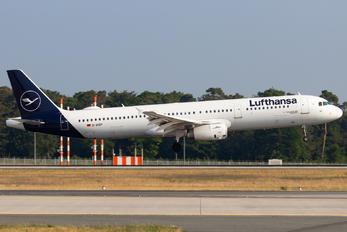 D-AISP - Lufthansa Airbus A321