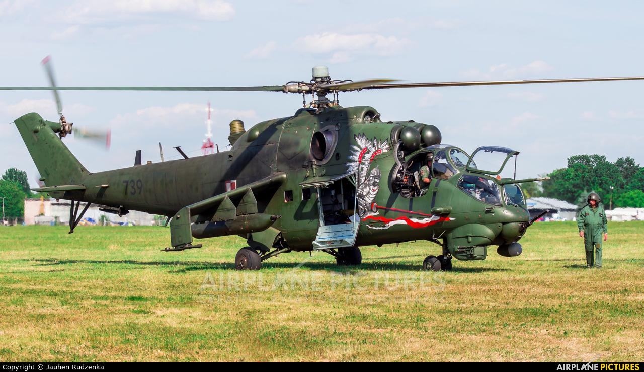 Poland - Army 739 aircraft at Lublin Radawiec