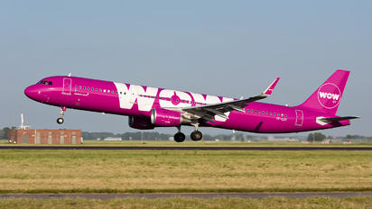 TF-CAT - WOW Air Airbus A321