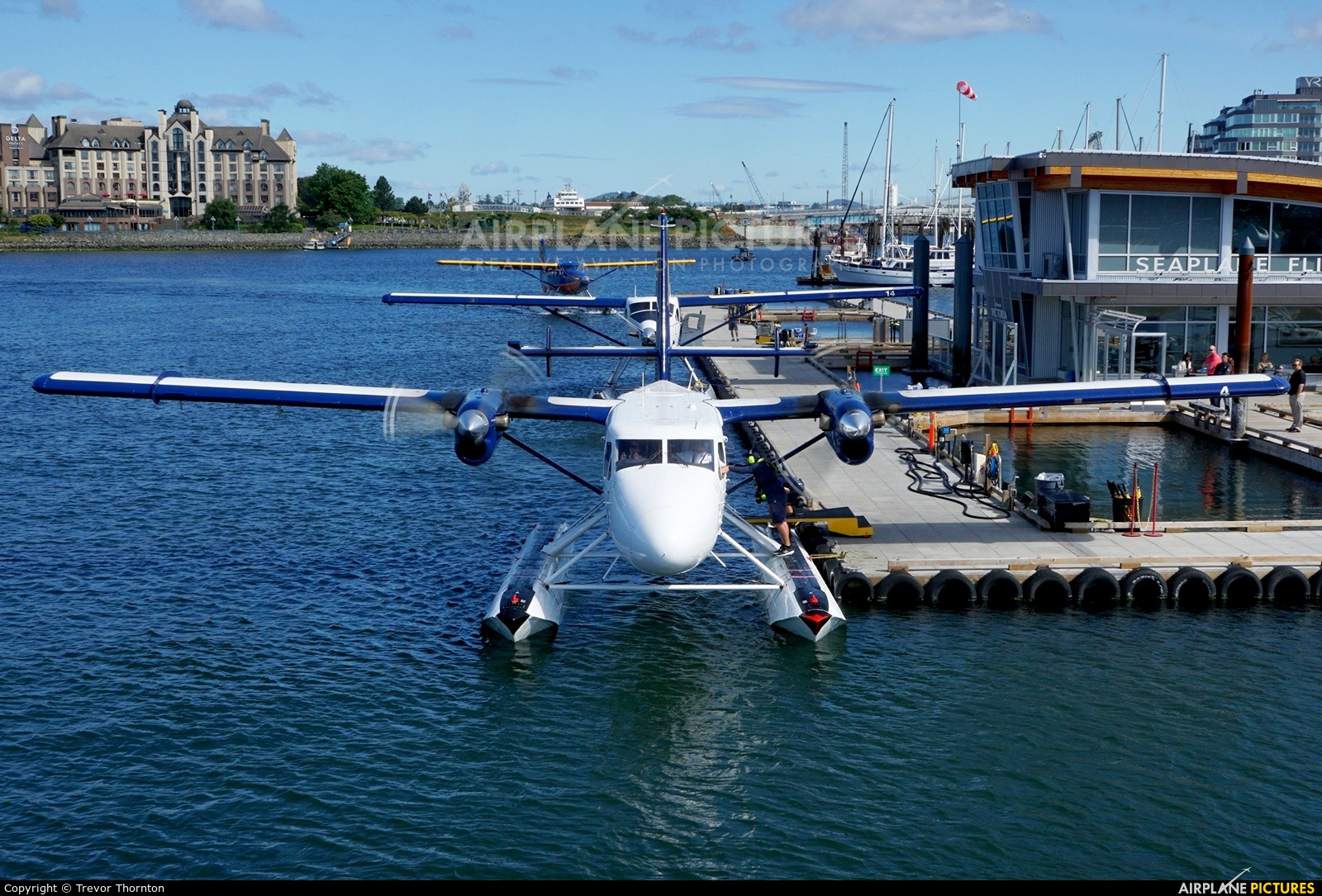 West Coast Air C-FGQH aircraft at Victoria Harbour, BC