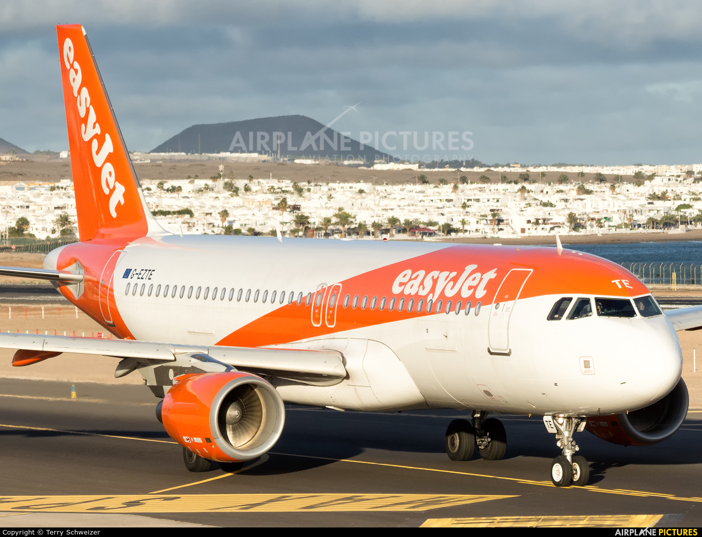 easyJet G-EZTE aircraft at Lanzarote - Arrecife