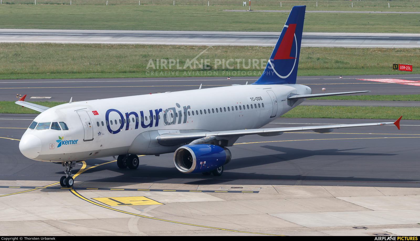 Onur Air TC-ODB aircraft at Düsseldorf