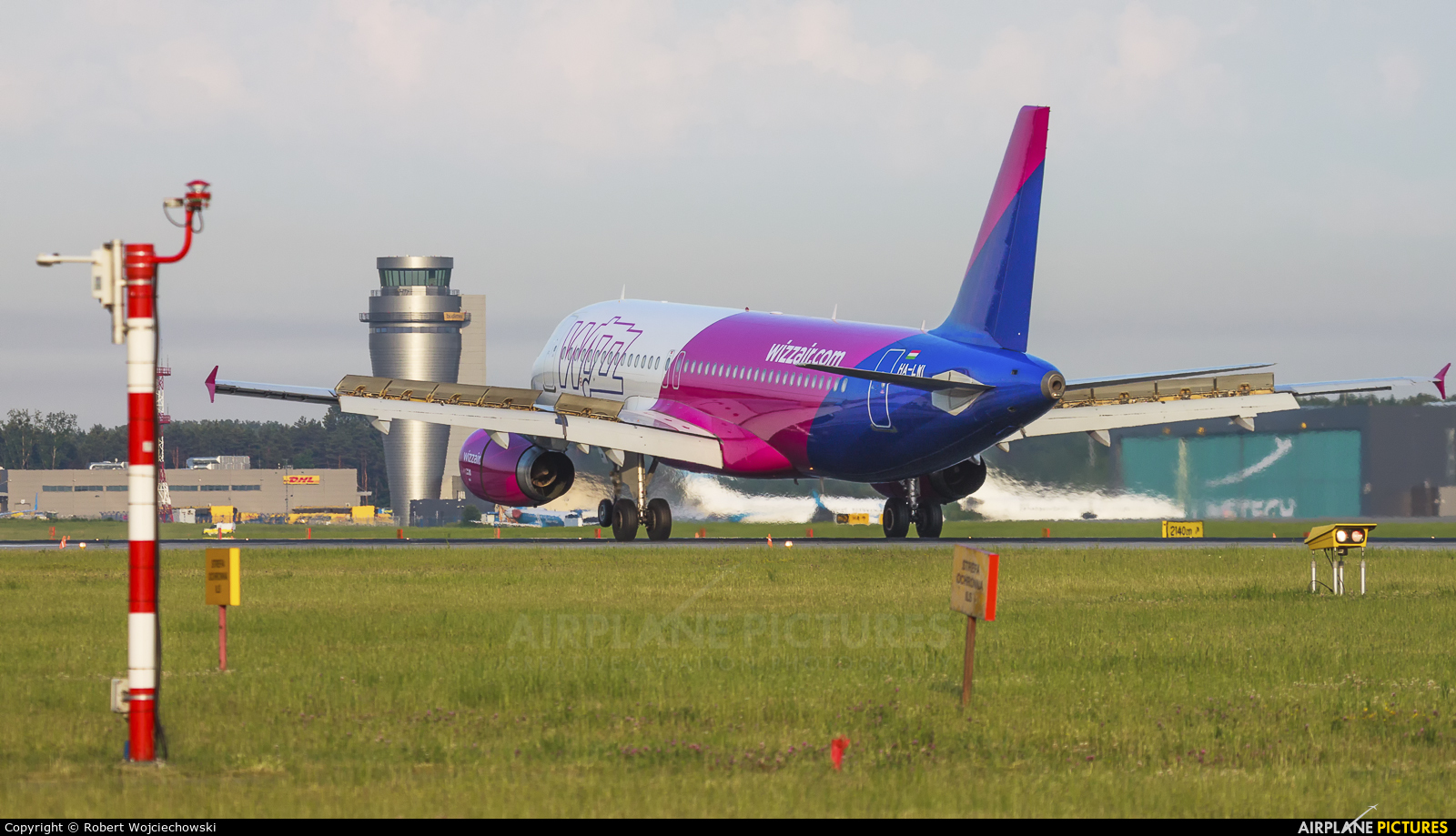 Wizz Air HA-LWI aircraft at Katowice - Pyrzowice