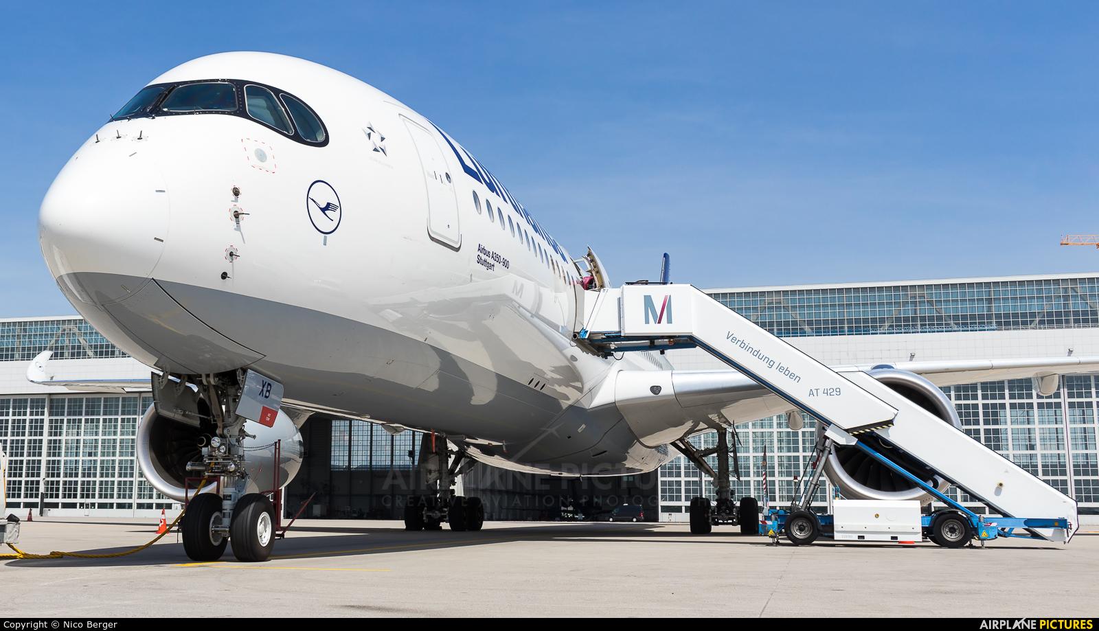 Lufthansa D-AIXB aircraft at Munich