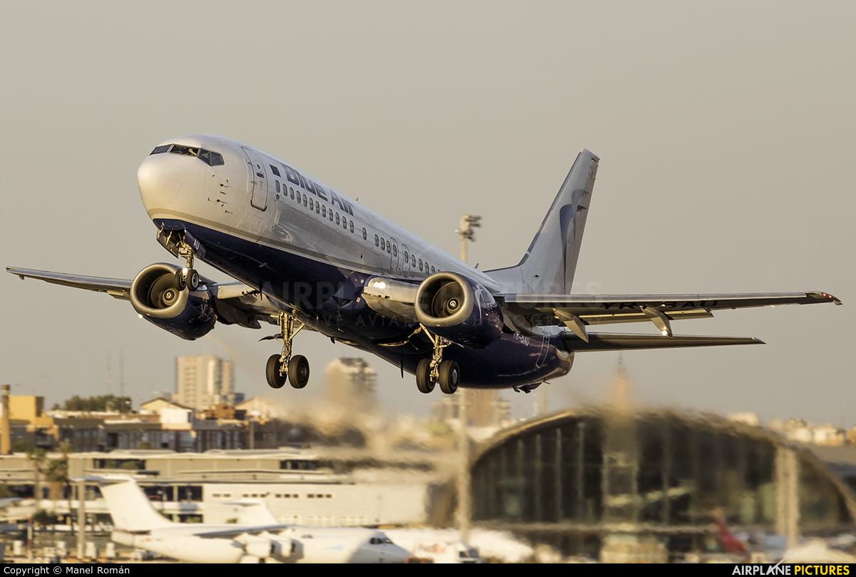 Blue Air YR-BAU aircraft at Valencia