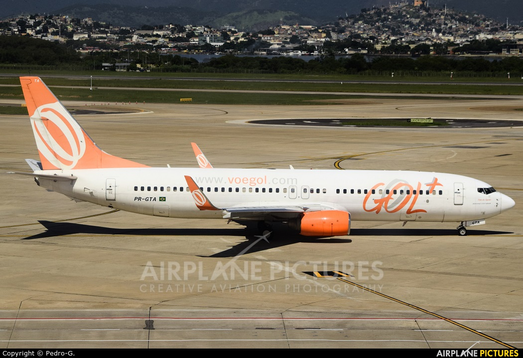 GOL Transportes Aéreos  PR-GTA aircraft at Rio de Janeiro/Galeão Intl - Antonio Carlos Jobim Airport