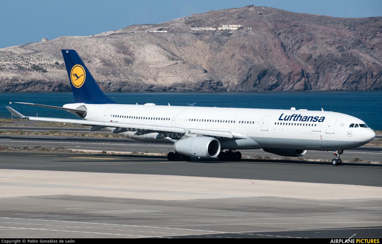 Lufthansa D-AIKS aircraft at Aeropuerto de Gran Canaria