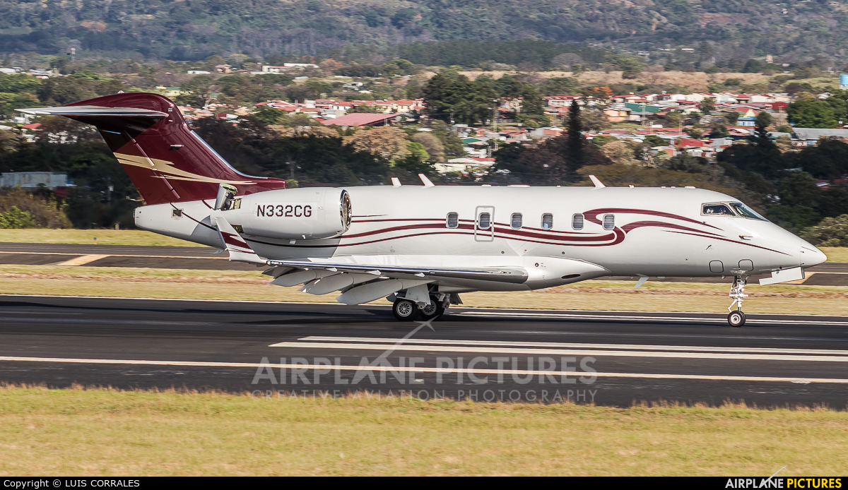 Private N332CG aircraft at San Jose - Juan Santamaría Intl