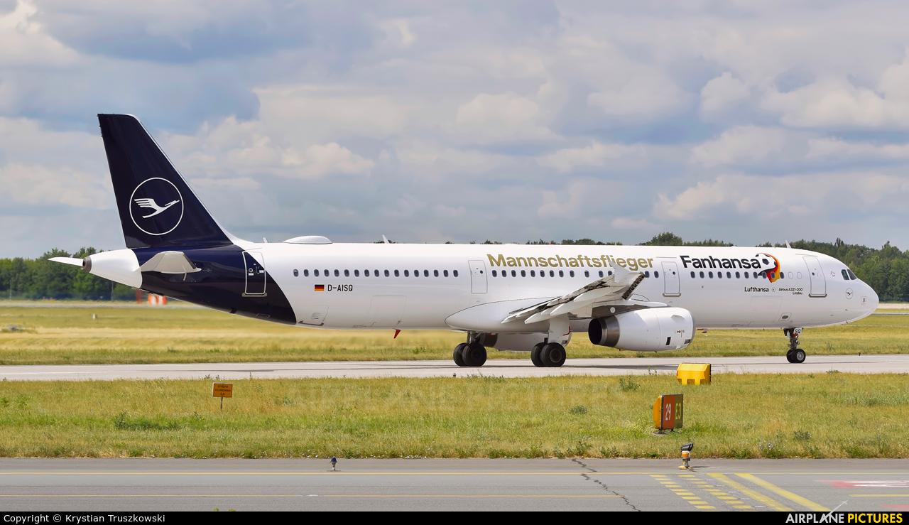Lufthansa D-AISQ aircraft at Warsaw - Frederic Chopin