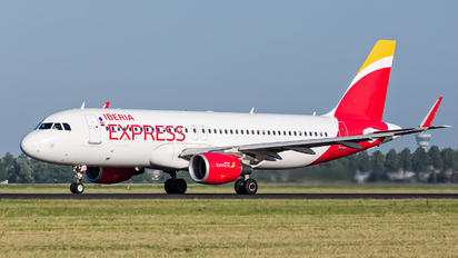 EC-LYM - Iberia Express Airbus A320