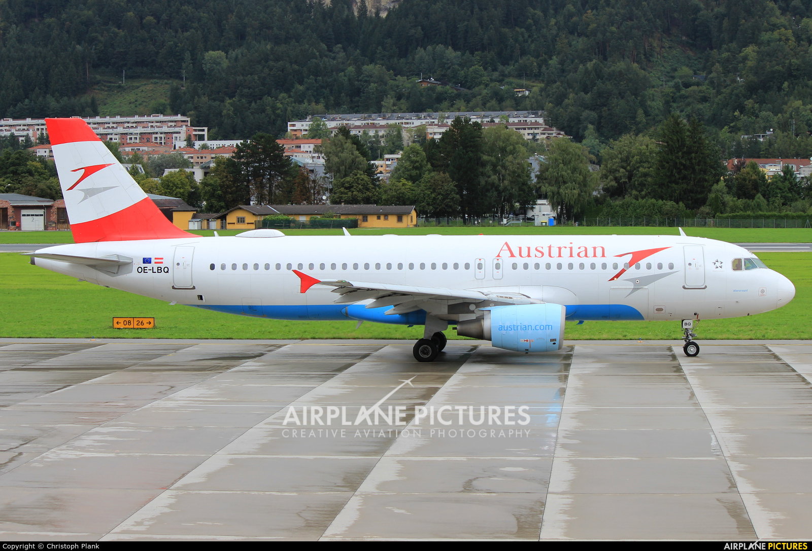 Austrian Airlines/Arrows/Tyrolean OE-LBQ aircraft at Innsbruck