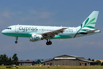 5B-DCX - Cyprus Airways Airbus A319