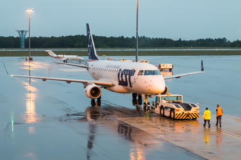 - - LOT - Polish Airlines - Airport Overview - Apron