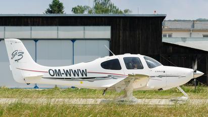 OM-WWW - Private Cirrus SR22