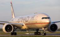 A6-ETR - Etihad Airways Boeing 777-300ER aircraft