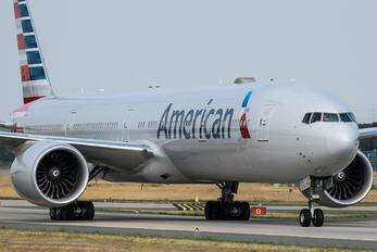 N727AN - American Airlines Boeing 777-300ER