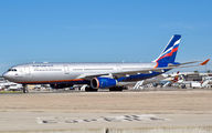 Aeroflot Airbus A330 brings football fans for World Cup title=