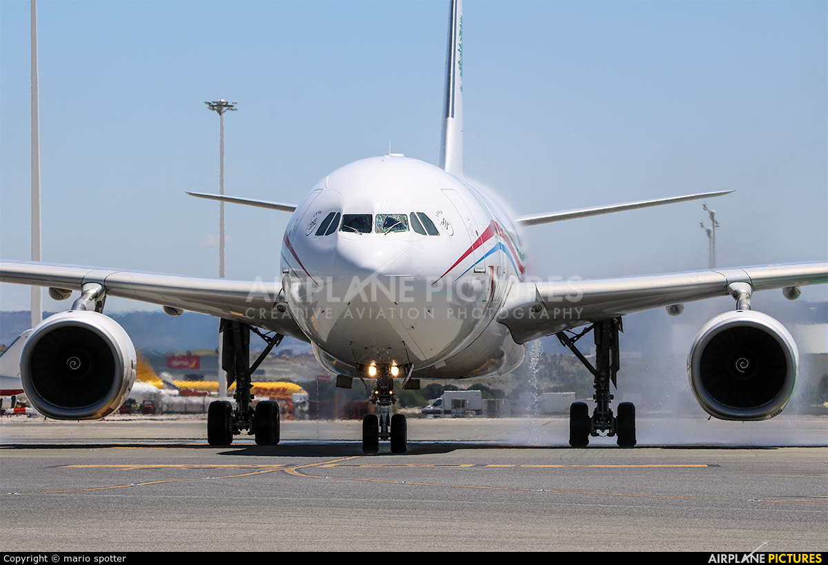 MEA - Middle East Airlines OD-MEE aircraft at Madrid - Barajas