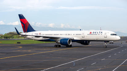 N552NW - Delta Air Lines Boeing 757-200