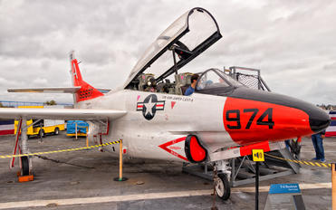 156697 - USA - Navy North American T-2C Buckeye