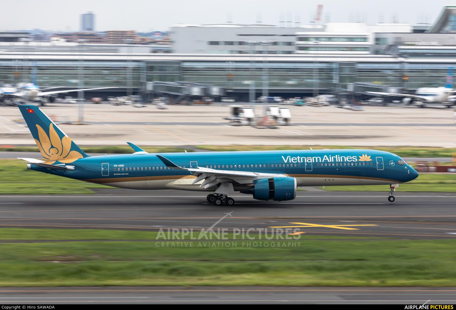 Vietnam Airlines VN-A891 aircraft at Tokyo - Haneda Intl