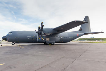 5847 - France - Air Force Lockheed MC-130J Hercules
