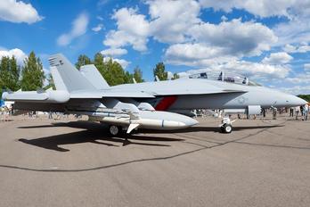 169215 - USA - Navy Boeing EA-18G Growler