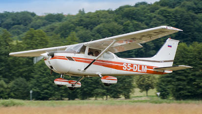 S5-DLM - Letalski Center Maribor Cessna 172 Skyhawk (all models except RG)